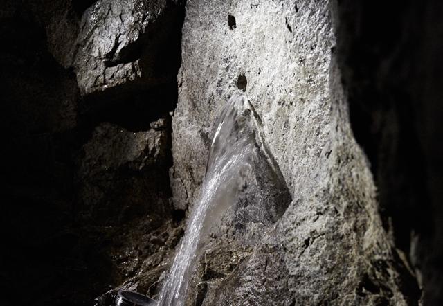 天然の湧き水